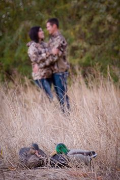 Lachelle Gienger Photography❤️ camo engagement photos Camo Engagement Photos, Hunting Engagement, Heart Pictures, Photo Ideas, Picture Ideas, Maybe One Day, Wedding Photos, Wedding Ideas, Things To Come