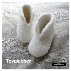 Felted socks - English patterns - Nettbutikk - Design by Marte Helgetun Felt Booties, Felt Shoes, Baby Booties, Baby Slippers, Baby Socks, Sewing For Kids, Baby Sewing, Knitting Designs, Knitting Projects