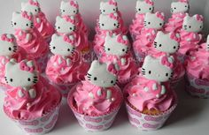 Hello kitty, by Mily's Cupcakes Cupcake Decorating Party, Cupcake Party, Birthday Cupcakes, Cupcake Cakes, Birthday Parties, Cupcake Wrappers, Cupcake Ideas, 3rd Birthday, Torta Hello Kitty
