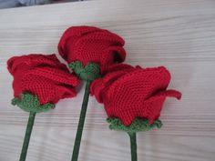 Roses Crocheted Flowers, Crochet Hats, Roses, Handmade, Crochet Flowers, Hand Made, Pink, Craft, Rose