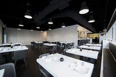 Galería de AKA Sushi / Synecdoche Design Studio + daub-lab - 10
