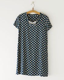 pindot/ホームクチュール/ワンピースそのまま着ても、重ねて着ても Japanese Sewing Patterns, Polka Dot Top, Couture, Shopping, Tops, Women, Fashion, Moda, Fashion Styles