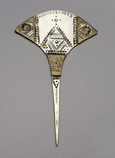 Africa | Hairpin from the Tuareg people of Mali | Silver alloy and copper alloy | ca. early to mid 1900s