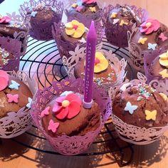 Schoko Cupcakes Food, Cool Desserts, Essen, Yemek, Meals