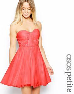 ASOS Petite ASOS - Trägerloses Kleid mit verdrehtem Oberteil - Creme 17,99 €