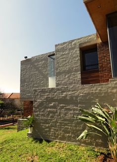 House Basson, in Pretoria, South Africa. This home is nestled on a hill in a… Basson, Green Belt, Pretoria, Nature Reserve, Residential Architecture, Open Up, Contemporary Design, South Africa, Architects
