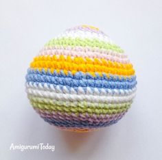 Designed with a colorful shell, this snail amigurumi pattern needs only a little yarn - great for using up oddments! Try this quick and rewarding project! Snail, Shells, Crochet Hats, Toys, Pattern, Projects, Blog, Amigurumi, Seashells