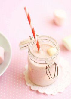 """El batido de fresas es una forma sencilla de que """"se beban"""" la fruta… (Foto flickr) Este batido de fresas está riquísimo y permite a los peques tomar fresas sin […]"""
