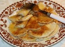 Taštičky s tvarohem Apple Pie, Pancakes, Breakfast, Ethnic Recipes, Food, Morning Coffee, Essen, Pancake, Meals