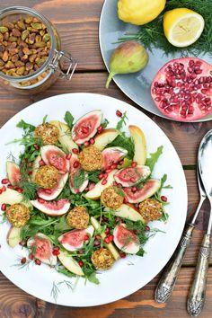 Salade met vijgen, appel en geitenkaas-pistachebollen 🥗 Een salade waar iedereen van onder de indruk zal zijn! | Anniepannie.nl