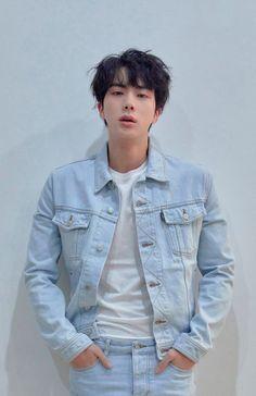 Cast : - Kim Taehyung As The Third Prince of light kingdom - Park Jimin As The Second Prince of Light Kingdom - Jeon Jungkook As The Fourth Prince of light. Bts Jin, Jimin, Jin Kim, Bts Bangtan Boy, Bts Boys, Suga Suga, Seokjin, Kim Namjoon, Jung Hoseok