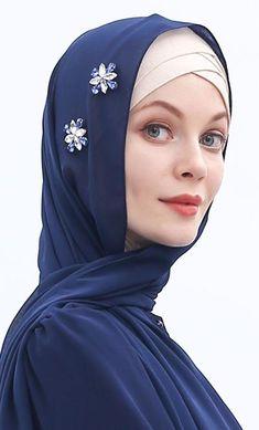 Traditional Thobe With Piping Couture Embroidery, Embroidery Dress, Bead Embroidery Jewelry, Beaded Embroidery, Simple Hijab Tutorial, Muslim Hijab, Islamic Fashion, Chiffon Scarf, Beautiful Hijab