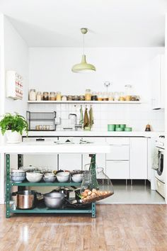 a london cottage -sweet kitchen
