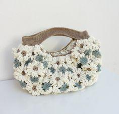 Crazy Daisy Crochetted Chenille hinchada feliz saco por StarBags