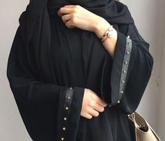 @*i.prefer.not.giving.my.name* Burqa Designs, Kaftan Designs, Modesty Fashion, Abaya Fashion, Modern Abaya, Parda, Simple Hijab, Kaftan Abaya, Black Abaya