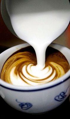 Barista latte art My favorite café. Coffee Latte Art, I Love Coffee, Coffee Cafe, Espresso Coffee, Coffee Break, Best Coffee, Coffee Drinks, Cappuccino Art, Chocolates