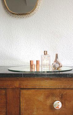 Commode et miroir vintage - parfum Chloé - Auguste & Claire