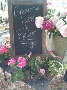 Having fun at Country Living Fair. A picnic to go Country Living Fair, Art Quotes, Picnic, Have Fun, Gift Ideas, Awesome, Gifts, Shopping, Presents