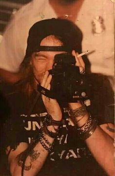 For everything Guns n Roses check out Iomoio Axl Rose, Guns N Roses, Bon Jovi, Rock Poster, Duff Mckagan, Ramin Karimloo, Rock Legends, Les Miserables, The Duff