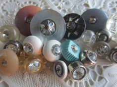 Vintage Buttons 21 assorted colors acrylic with by pillowtalkswf