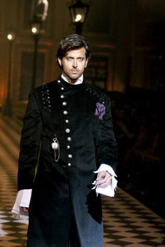 Hrithik Roshan in his best outfits!