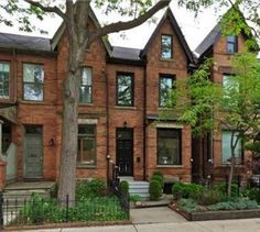 Renovated Classic Victorian Row House for Sale in Trinity Bellwoods 87 Shaw St, Toronto C3228646
