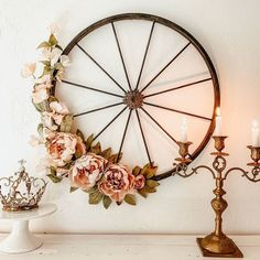 Bike Wheel Wreath with Blush Pink Flowers - Fahrrad Diy Spring Wreath, Diy Wreath, Wreaths, Wreath Ideas, Boxwood Wreath, Grapevine Wreath, Upcycled Home Decor, Diy Home Decor, Diy Décoration
