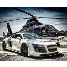 Audi R8 Razor With Helicopter