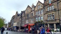 Aunque #Grassmarket es un lugar lleno de #pubs a cuál más bonito y típico hay que recordar que esta #plaza era uno de los lugares de #ejecuciones más populares en sus tiempos. De hecho en el #LastDrop puedes ver varias #sogas de decoración. #Escocia #Scotland #Edinburgh #Edimburgo #Alba #edinburghspotlight #edinburghfood #edinburghcity