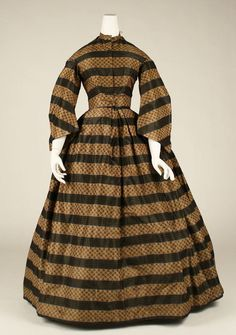 ca. 1860-65 // why do I always love the obnoxious ones? -- also: super weird sleeves. Not-coat, not-pagoda, what is going on?!
