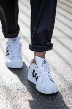 Adidas Stan Smith, Black and white stripes, minimal outfit, casual street style, fashion blogger, winter style http://the-unprecedented.ca/blackandwhiteoutfit/