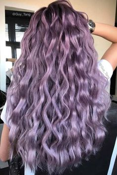 Pastellfarbe Ombre Frisuren und Haarfarben - welliges Haar lila Farbe - Hairstyles, Haircuts and Hair Color - Pastel Purple Hair, Violet Hair Colors, Lilac Hair, Purple Ombre, Hair Color Purple, Hair Dye Colors, Cool Hair Color, Purple Hair Tips, Light Purple Hair