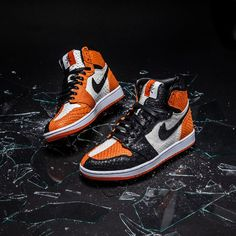 The Air Jordan 1 Shattered Backboard Homage Lux is now available for limited run! Link in bio Custom Jordans, Custom Sneakers, Custom Shoes, Jordan 1 Shattered Backboard, Sneaker Bar, Sneaker Heads, Sneakers Fashion, Sneakers Nike, Shoes Wallpaper