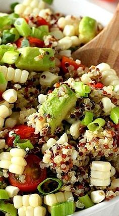 End of Summer Corn, Tomato, and Avocado Quinoa Salad [ SkinnyFoxDetox.com ] #salad #skinny #health