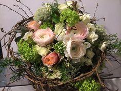 Frühlingsstrauß mit Rose und Hortensie