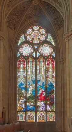 Gedächtniskirche der Protestation in Speyer. Glasfenster von Karl de Bouché 2015-07-03 Speyer Gedächtniskirche 1439 - 1443.jpg