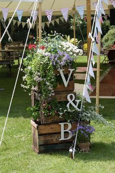 wood crate flower display wedding decor / http://www.deerpearlflowers.com/country-wooden-crates-wedding-ideas/3/