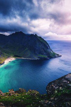 Kvalvika Beach, Norway's Lofoten Islands, by Yuriy Garnaev What A Wonderful World, Wonderful Places, Alaska, Beach Landscape, John Muir, Lofoten, Landscape Pictures, Natural Wonders, Wonders Of The World
