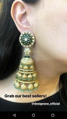 Pinterest :@achyi Pakistani Jewelry, Indian Wedding Jewelry, Indian Jewelry, Bridal Jewelry, Jewelry Design Earrings, Jewelry Accessories, Bling Bling, Diamond Chandelier Earrings, Jhumki Earrings