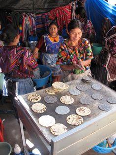 Chichicastenango, Chichicastenango, Guatemala - torteando, making tortillas..