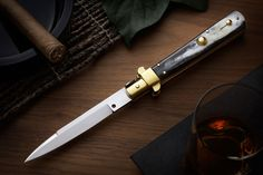 The AGA Campolin Frosolone is a piece of art. Made exactly like the picklocks on 40's this knife is beautiful all way. Find out more by clicking on the following link http://www.agacampolin.com/frosolone.html #campolin, #switchblade