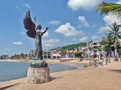 Official tourist guide with information on hotels, restaurants, activities, reservations and places to visit during your visit to Puerto. Dream Vacations, Vacation Spots, Beautiful World, Beautiful Places, Puerto Vallarta Vacations, Two Worlds, Mexico Travel, Places Ive Been, Places To Visit