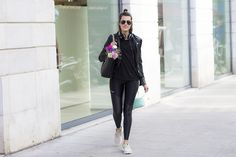 http://amz.az/me/Margot-Guilbert-from-The-Pastel-Project/All-Black-outfit-and-a-dash-of-pastel F703 sennheiser x freitag headphones