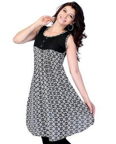 This is a designer wear tunic - kurti made from georgette fabric.  Size Guide:  S - 36 Inches(Bust).  M - 38 Inches(Bust).  L - 40 Inches(Bust).