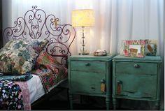 Mesa de luz :D Dresser As Nightstand, Bedroom Decor, Bedroom Ideas, Sweet Home, Cabinet, Storage, Table, Craft Ideas, Inspiration