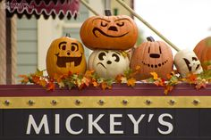 Halloween Time at Disneyland -- look at their jack-o-lanterns! Halloween Time At Disneyland, Mickey Halloween Party, Halloween Items, Disney Halloween, Holidays Halloween, Scary Halloween, Happy Halloween, Printable Halloween Decorations, Mickey Mouse And Friends
