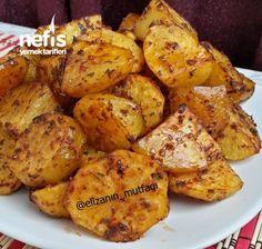 Fırında salçalı baharatlı patates Food Blogs, Fritters, Baked Potato, Cauliflower, Side Dishes, Dinner Recipes, Brunch, Food And Drink, Cooking Recipes