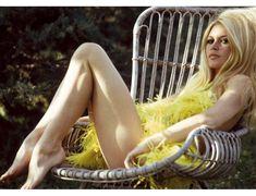 大人おフェロヘアが熱い♥60年代ファッションアイコン♡ブリジット・バルドーから盗め♥の32枚目の写真 | マシマロ