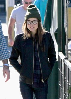 Ellen Page was spotted at lunch in Hollywood wearing Joe's Military Shirt in Eggplant/Blue Plaid.