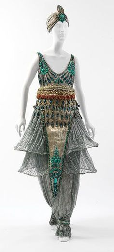 The harem style was made world famous in 1911 by Paul Poiret – but there can be no denying that he took inspiration from the costume designer of the Ballet Russes Scheherazade.